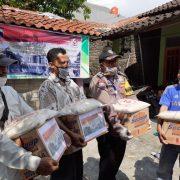 Peduli Masyarakat Terdampak Covid-19: Yayasan Persadani dan Polda Jateng Bagikan Sembako