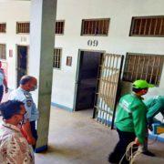 Gandeng Rumpan dan Yayasan Persadani, Lapas Semarang Semprotkan Disinfektan